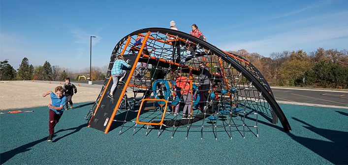Crab Trap playground net structure